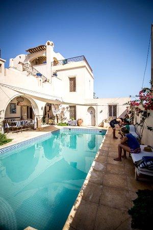 Dar Hamza Djerba : piscine de la villa
