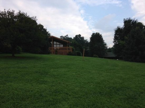 Barkwells, The Dog Lovers' Vacation Retreat: Diva Cabin and Grounds