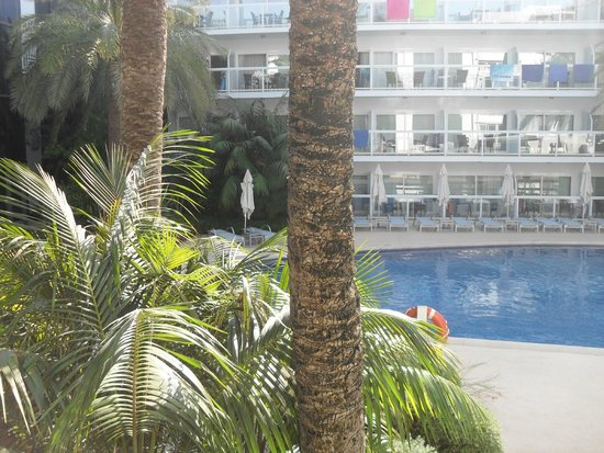 Las Gaviotas Suites Hotel: Adults only pool area