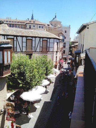 Hostal Santo Tome: Vista desde el balcón de la habitación
