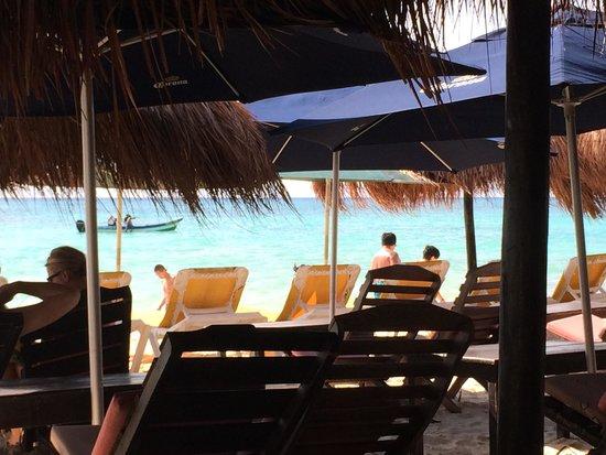 Pelicano Inn: vista do beach club