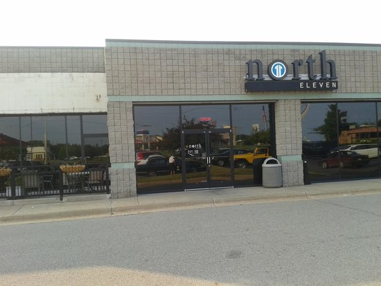 North 11 outdoor seating in strip mall