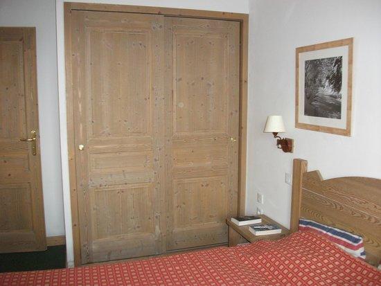 Residence LVH Vacances - Sun Valley : placard chbre