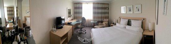 Hilton Duesseldorf: The room