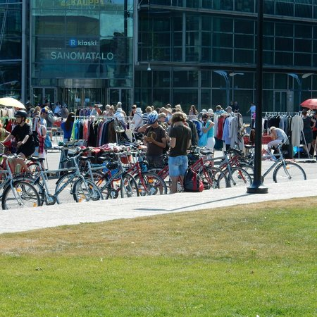Happy Guide Helsinki: A fun bike stop at a flea market