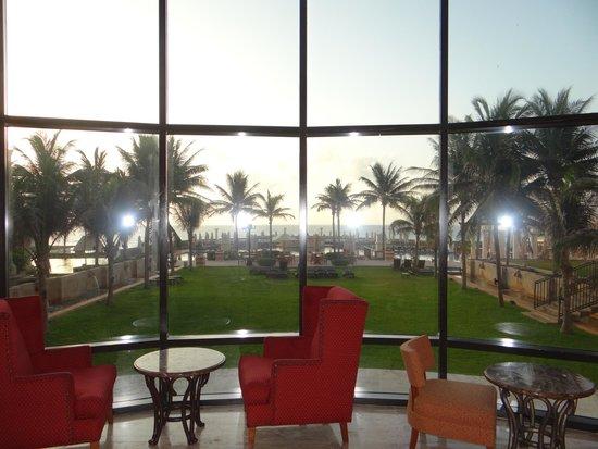 Marriott Cancun Resort: Vista do Hall para a área verde/piscina