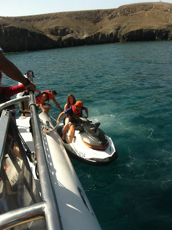 Catlanza : On the jet ski
