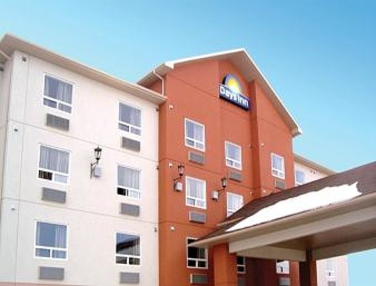 Days Inn Athabasca: outside view of hotel