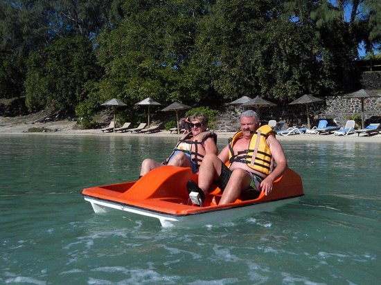 Coin de Mire Attitude : My parents enjoying the water activities