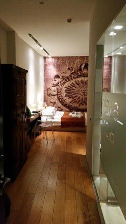 Aire Hotel & Ancient Baths: Entrada a la jumior suite porto carrero,