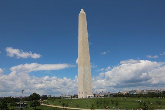 Washington Monument: Elle diffuse la lumiere !!!