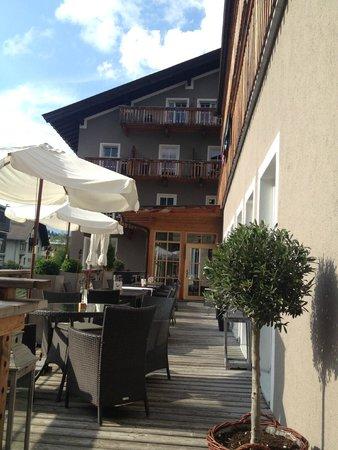 Q! Resort Health & Spa Kitzbühel: Ausblick von der Terrasse
