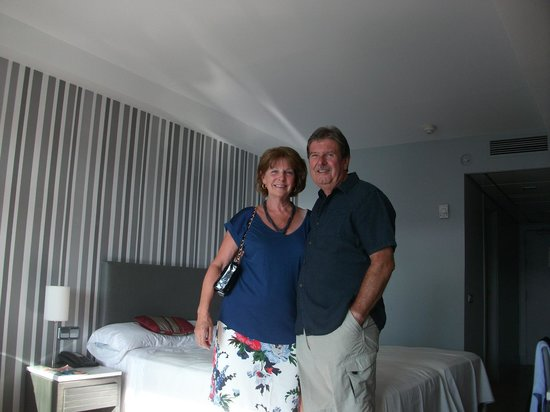 Hotel Flamingo Oasis: Our Ruby Wedding Anniversary