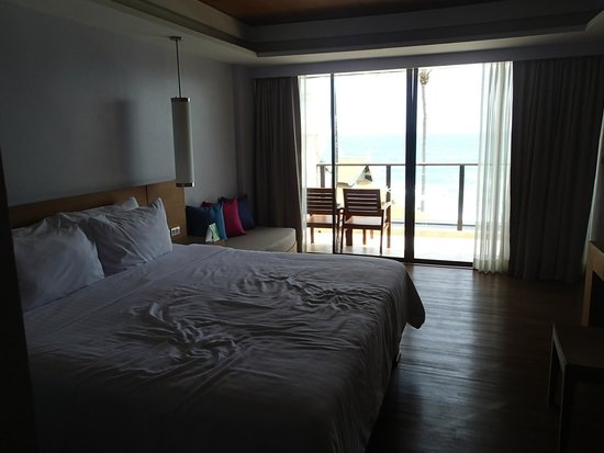 Beyond Resort Karon: chambre