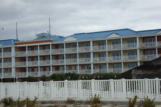 La Mer Beachfront  Inn: Hotel