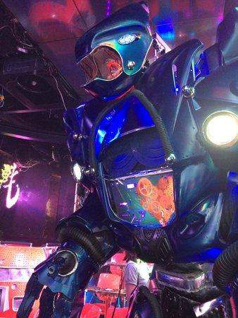 Robot Restaurant : Robots