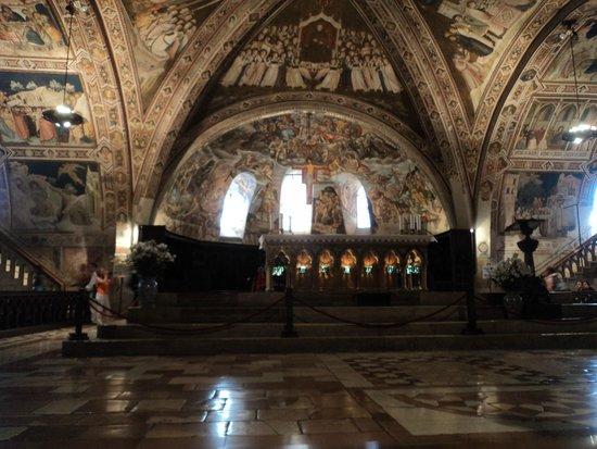 Basilica Papale San Francesco D'Assisi: la Basilica Inferiore
