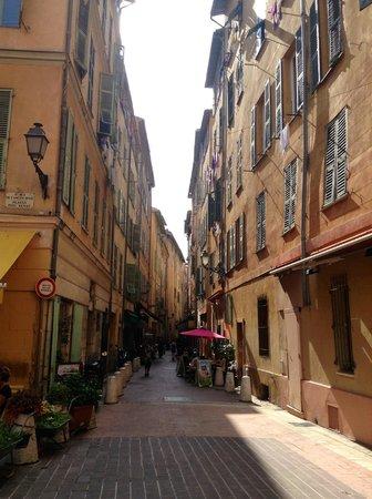 Le Meridien Nice : street scene