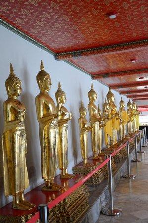 Wat Pho (Templo de Buda reclinado): Lining Buddhas