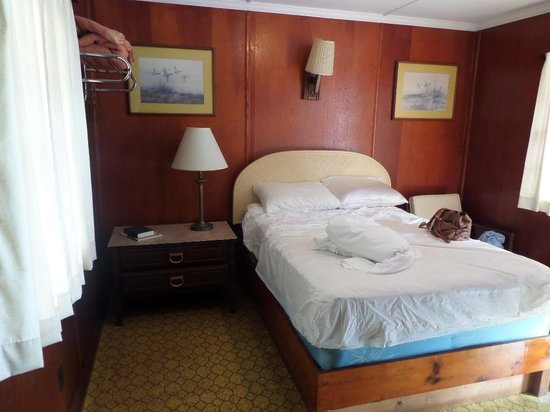 William and Garland Motel: Small room with double bed