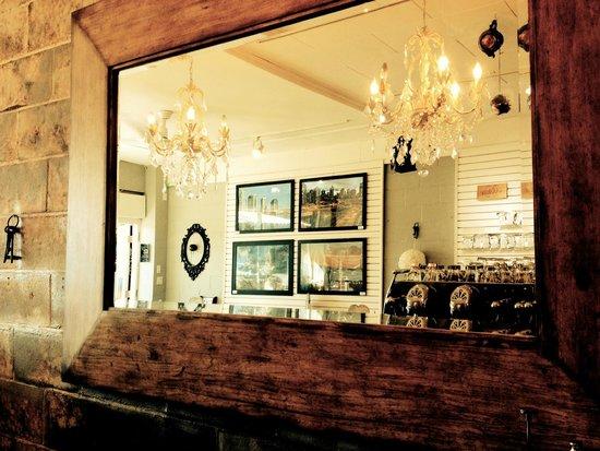 Nineteen-02 Tea Bar: Unique designs.