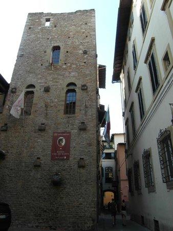 Sani Tourist House: Casa y Museo de Dante Alighieri muy próximos al hotel