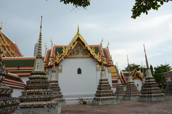 Wat Pho (Templo de Buda reclinado): Stupas
