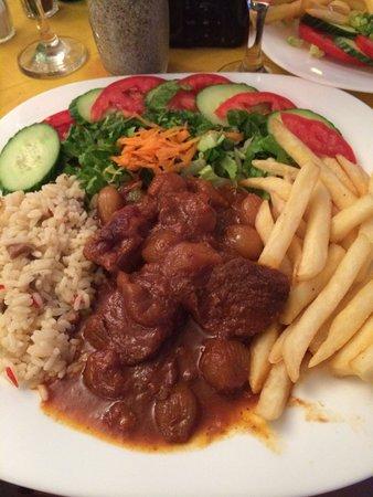 Sunbeam: Tasty beef stifado for around 5 euro!