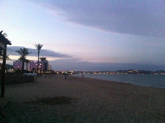 Hotel Club Bahamas Ibiza: Evening at the beach