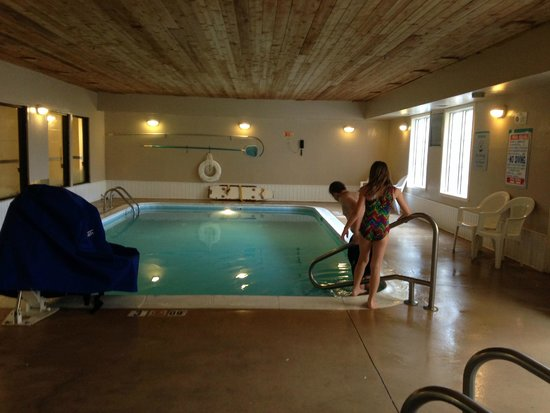 La Quinta Inn & Suites Lexington South / Hamburg: Pool - Hot Tub is out of view in this photo.