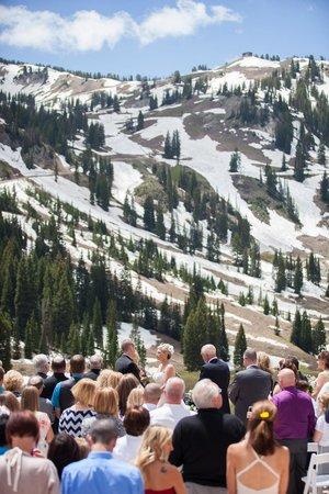 Snowpine Lodge: Wedding Day