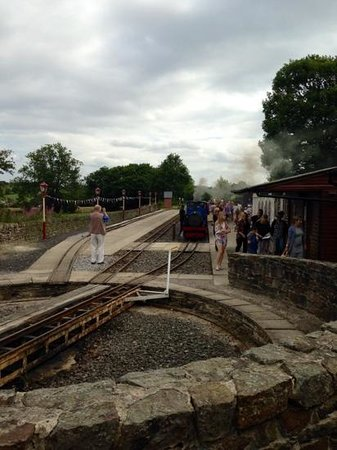 Kirklees Light Railway: Shelley Station