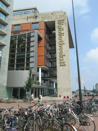 Bibliothèque centrale (Openbare Bibliotheek) : als je aan komt lopen