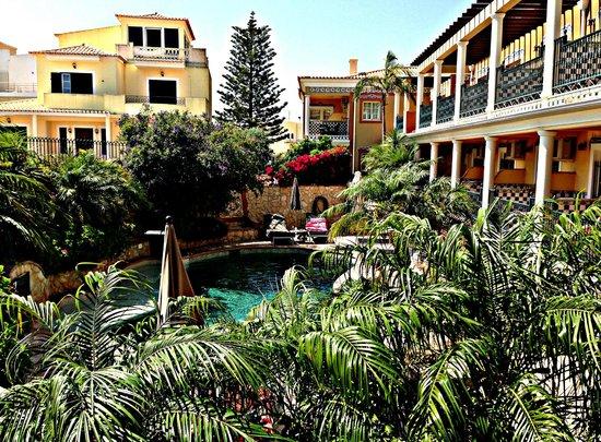 Dom Manuel Hotel: Vue du balcon....