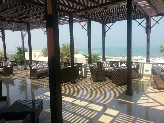 Cove Rotana Resort Ras Al Khaimah: Breeze Bar