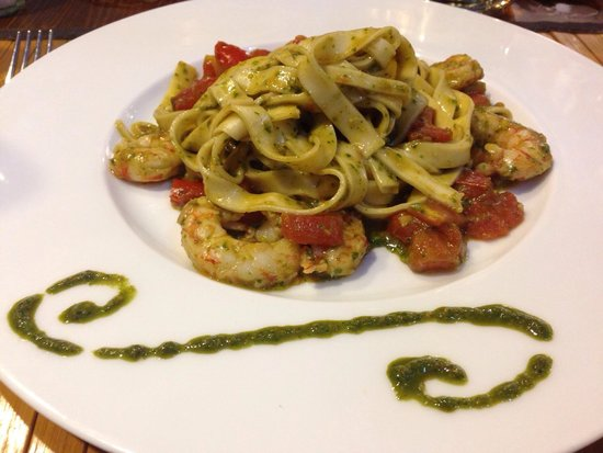 Inn Bufalito Taverna Mediterranea: Prawn and Pesto Pasta....mmmmm!