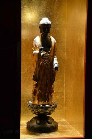 Buddha-Bar Hotel Paris : bouddha