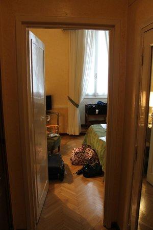 Bettoja Massimo D'Azeglio Hotel : camera .