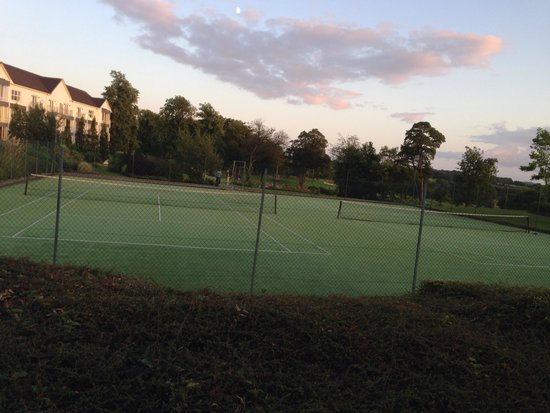 Slieve Russell Hotel Golf and Country Club: Tennis courts
