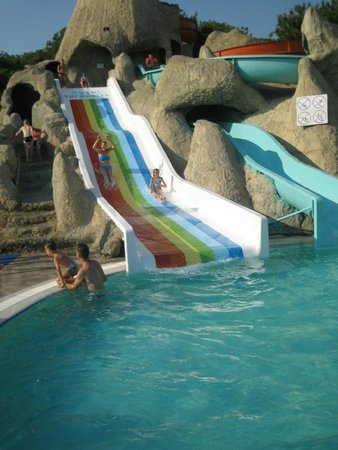 Turquoise Resort Hotel & Spa: Hotel's own water slides, in separate pool (1 of 3 pools!)