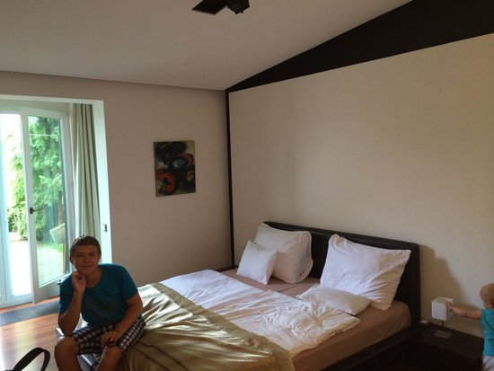 Hotel President Pantovcak: комната
