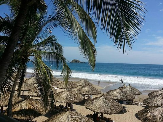 Holiday Inn Resort Ixtapa: view from our room... ocean front. right on the beach :)