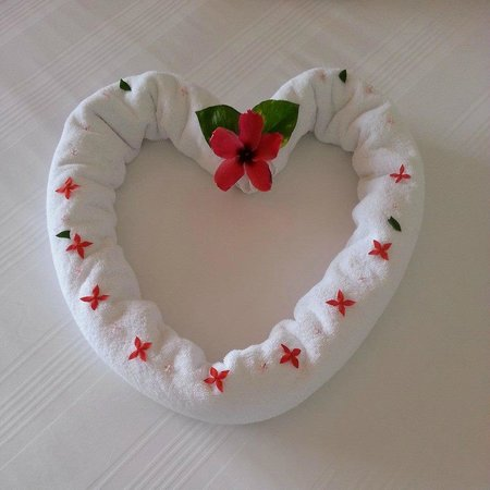 Holiday Inn Resort Ixtapa: the house keepers would do something cute like this everyday