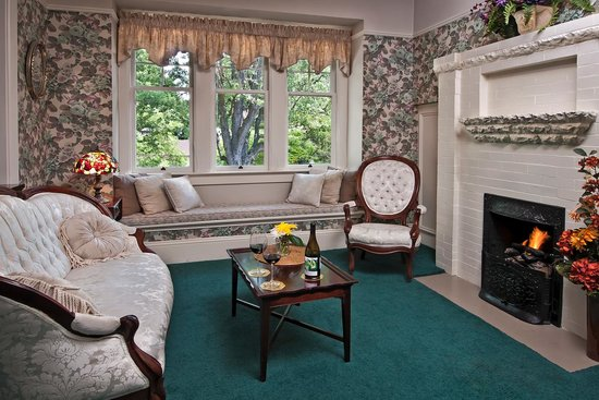 Green Gables Inn: Idlewild Sitting Area