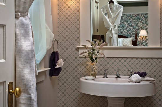 Green Gables Inn: Idlewild Bathroom