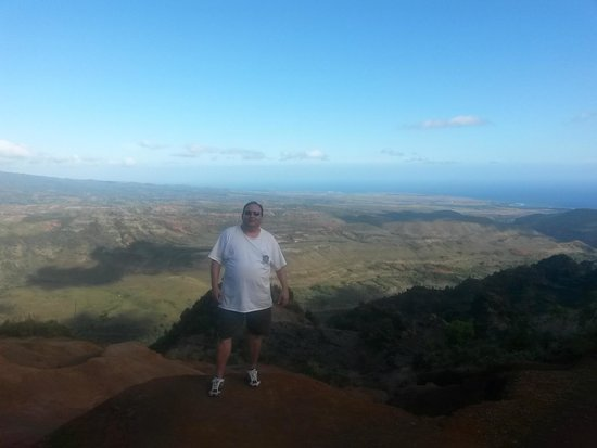 Outfitters Kauai: Standing on the edge of the mountain looking down