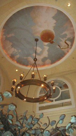 The Marker San Francisco, A Joie de Vivre Hotel: Central lobby.