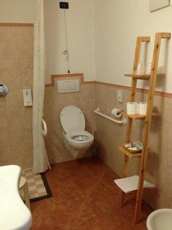 Hotel Bellavista: Baño adaptado