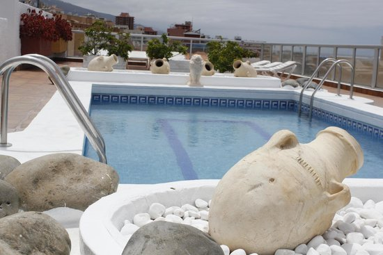 4Dreams Hotel : Piscina