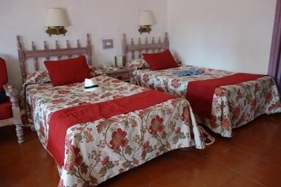 Hotel Parque Tropical : Die Betten